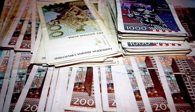 DOBAR POSAO U HRVATSKOJ: Tri vodeće banke u 10 godina svojim šefovima isplatile 630 milijuna kuna