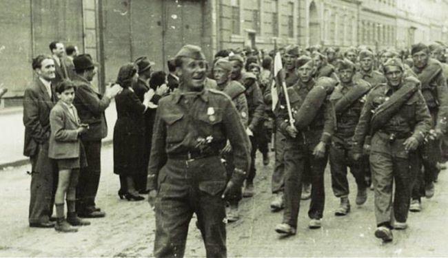 ANTIFA FEŠTA KAKVU JOŠ VIDJELI NISTE: Ogromnim plamenom Zagreb slavi 70. godišnjicu oslobođenja