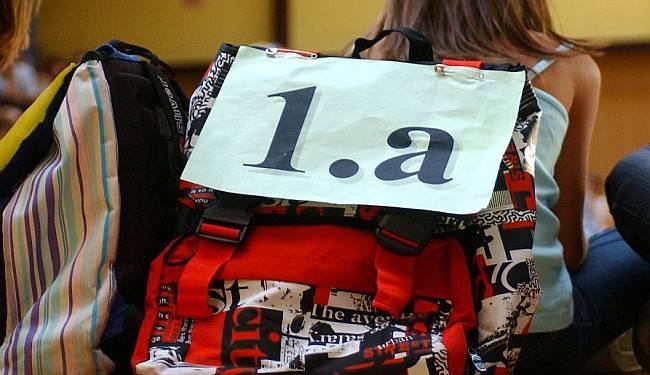 BIROKRATSKO LUDILO: Kako su prvašićima zagorčali polazak u školu