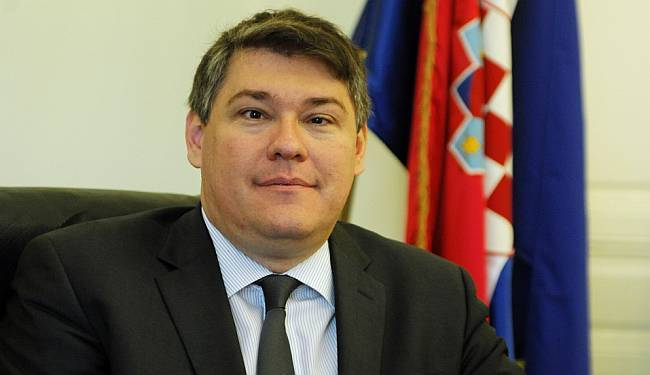 """PRIČA IDE DALJE: Ministar Lalovac nije u sukobu interesa zbog kredita u """"švicarcima"""""""