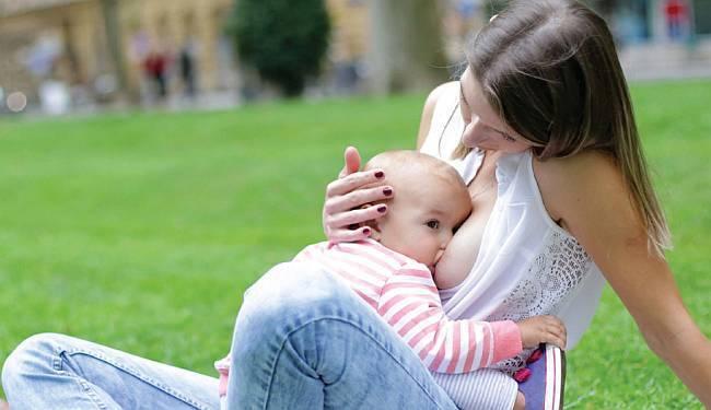 GRUPNO DOJENJE NA ZRINJEVCU: Djeca ne smiju biti gladna jer ih majke ne mogu podojiti zbog neodobravanja okoline