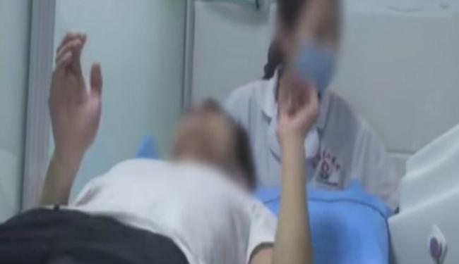 """LIJEČENJE HOMOSEKSUALNOSTI U KINI: """"Konverzivne terapije"""" još uvijek na djelu"""