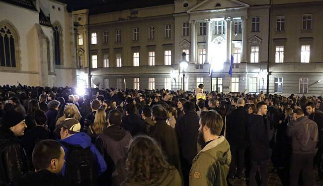 'IZDAJICE' TRAŽILE OSTAVKU VLADE: Prosvjed koji se nije samo 'lajkao' na Facebooku