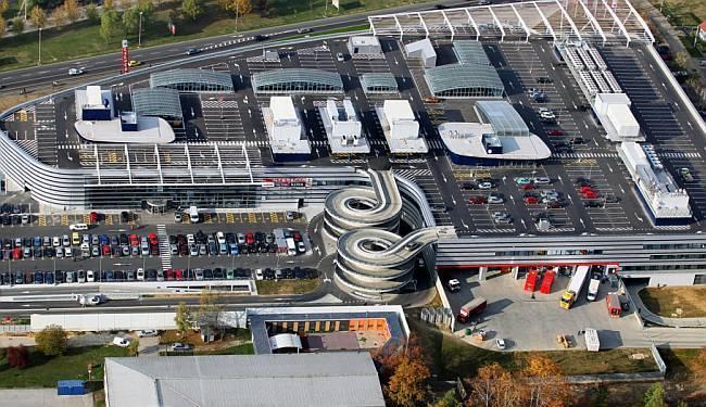 MUTNA HRVATSKA 'IGRA': Nema pola tvrtke, ali zato imamo krasan šoping-centar