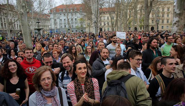 KAKO SE BRANI SLOBODA GOVORA: Prosvjed koji se u inat političarima pretvorio u sjajan tulum