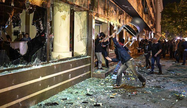 BUNT U MAKEDONIJI: Građani revoltirani amnestiranjem političara osumnjičenih za korupciju