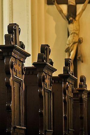"""KREĆE SKUPLJANJE POTPISA ZA NOVI REFERENDUM: """"Zaštitimo svećenike od progona za pedofiliju"""""""