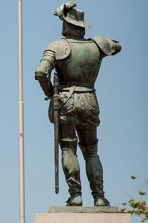 "U IME KRIŽA I EVANĐELJA: ""El conquistador"" s Fakulteta političkih znanosti"