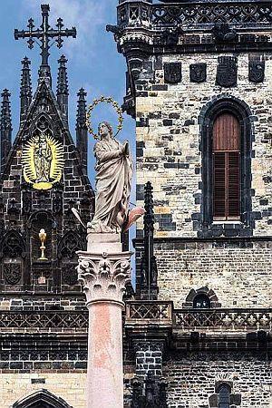 RAZBUKTALE STRASTI: Kako je kip Djevice Marije posvađao Čehe?