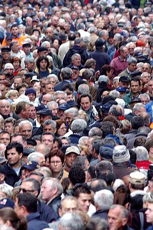 APSURDISTAN: Kako to da su u Hrvatskoj najnezadovoljniji od svih EU država?
