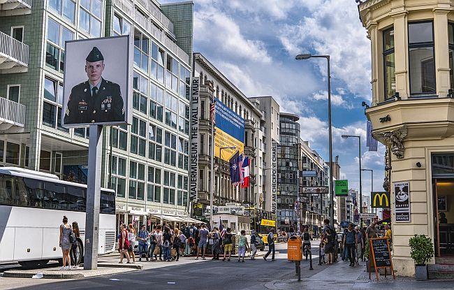 Berlin checkpoint