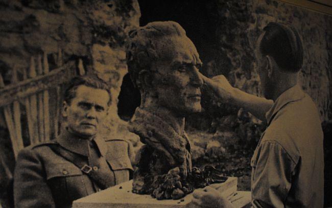 Josip Broz Tito - Antun Augustinčić
