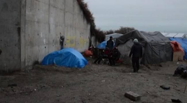 Steve Jobs Banksy Calais