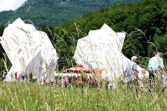 17. lipnja 2019. LUPIGA NA SUTJESCI: Memorijalni kompleks Tjentište Dolina heroja