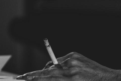 Poezija s cigaretom