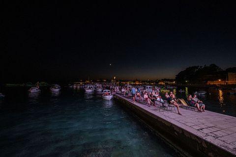 VELIKA FOTOGALERIJA: Predivno morsko kino