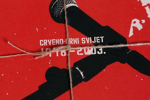 Katalog izložbe uz CD Prljavog kazališta iz 2003. godine
