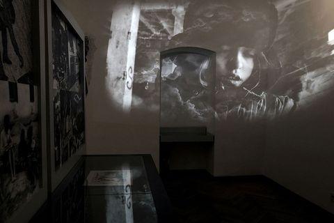 """Postav izložbe """"Stoljeće djeteta 1945-1990"""" u Hrvatskom školskom muzeju iz 2019. godine"""