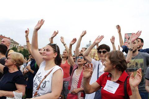 PROSVJED ZA KURIKULARNU REFORMU: Nazadnjaci i katolibani, odbijte od škola, djecu vam nećemo dati!