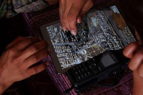 Tablet preko kojeg se koordiniraju zračni udari na džihadiste sa Zapadnom zračnom koalicijom