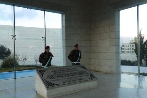 Mauzolej Jasera Arafata u kompleksu Mukataʿa u privremenom palestinskom glavnom gradu Ramali