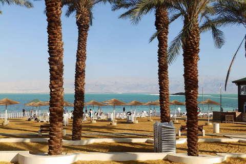 Plaža u Ein Bokeku na obali Mrtvog mora, najveće depresije na svijetu